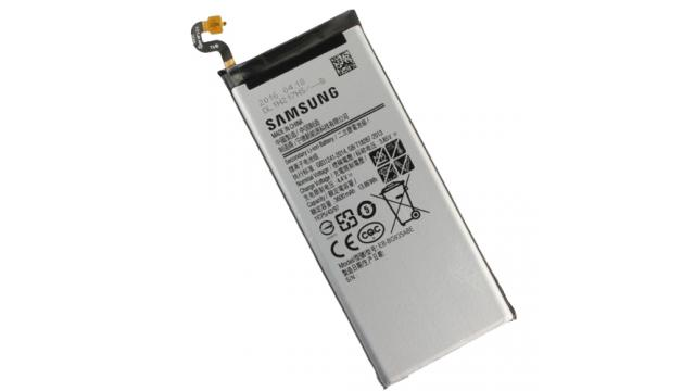 Thay pin Samsung chính hãng tại Long xuyên